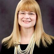 Article about the new hire superintendent Julee Nist
